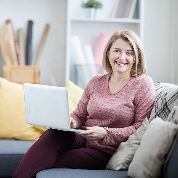 Tanuljunk otthonról kurzus Senioroknak!